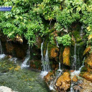این آبشار در نزدیک روستای ارنگه قرار دارد