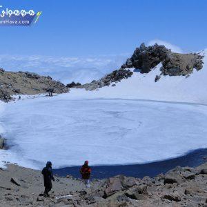 سبلان با ارتفاع ۴۸۱۱ متر از سطح دریا از کوههای مرتفع ایران است که در شمال غرب این کشور و در استان اردبیل قرار دارد.