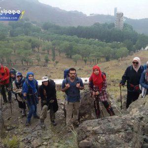 ارتفاع این قله 3350 متر است