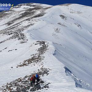 قله کهار یکی از قلههای چهارهزار متری البرز مرکزی است که در استان البرز قرار دارد.