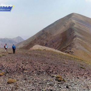 قلهٔ مهرچال با ارتفاع ۳۹۱۲ متر از سطح دریا یکی از قلل مشکل و نسبتا ناشناخته البرز مرکزی بحساب میآید