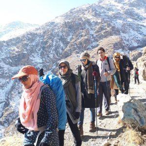 هتل دو ستاره اوسون تهران در ارتفاع ۲۳۰۰ متری ارتفاعات دربند در شمال تهران قرار دارد